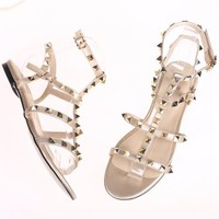 Valentino 2018 summer new word buckle Roman studded sandals F-ALS-XZ