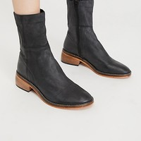 Leo Ankle Boot