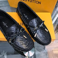 LV 2020 new embossed letter logo retro wild peas shoes