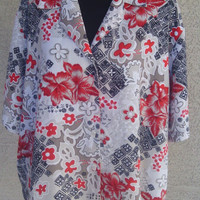 Sag Harbor Woman Blouse short sleeves 2X tan black red floral flowers 4 button fron short sleeves polyester soilky feel vintage
