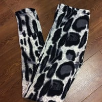 Fleece Snow Cheetah Leggings