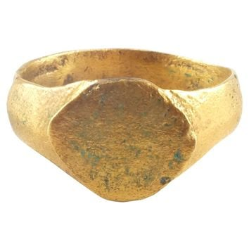 EARLY CHRISTIAN GILT RING C.8th-11th CENTURY