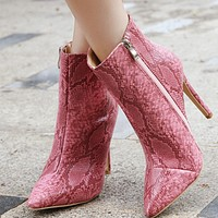 Hot style sells sexy snakeskin boots with pointed toes and thin heels shoes