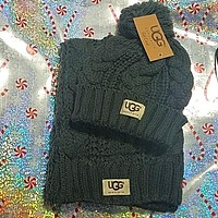 UGG SCARF AND HAT SET NEW