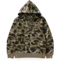 COLOR CAMO LACE UP PULLOVER HOODIE / MENS