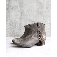Final Sale - Very Volatile - Lookout Fringe Western Inspired Distressed Leather Booties in Charcoal