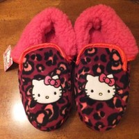 NWT Hello Kitty Pink Cheetah Leopard Print Womens Slippers w/ Pink Faux Sherpa