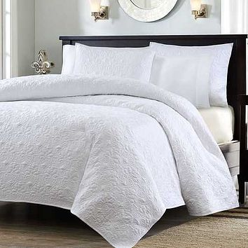 Full / Queen White Classic Coverlet Quilt Set with 2 Shams