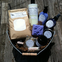 Huge Deluxe Gift Basket Home and Spa Candle, Herbal Bath Soak, Laundry Detergent, Fabric Softener, Lip Balm