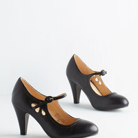Vintage Inspired Jive O'Clock Somewhere Heel in Noir by ModCloth