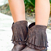 ROPER: MADE FOR WALKIN FRINGE BOOTIES