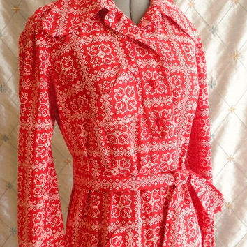 ON SALE 60s Dress // Vintage Red and White Pointillist Mini Dress with Patch Pockets and Matching Belt Size M