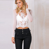 Lace yarn long sleeved jacket embroidered shirt top blouse shirt