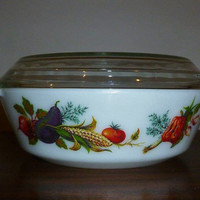 """Vintage 1970s JAJ Pyrex (509) 2 Pint Round Casserole Dish and Lid Featuring Pattern """" Market Garden / Tuscany"""" / English Pyrex / Vegetables"""