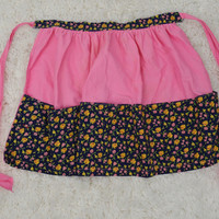 Vintage Apron Floral Girly Pink Rose Pockets Retro Womens Home Kitsch Cute Half Apron Baker 1990s 1980s