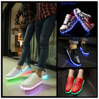 Hot Selling luminous casual shoes men women LED lights USB charging fashion sneakers