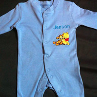 Boy/Girl Babygrow/Sleepsuit - Winnie the Pooh & Tigger - Piglet - Tinkerbell - Personalised - Embroidered - Choose Colour - Baby Gift -