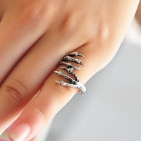 Metallic Pink Eagle Claw Ring Gothic Ring Decorative Ring (antique silvery color)