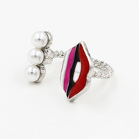 Red Open Lip and Pearl Twisted Ring