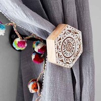 Plum & Bow Woodblock Hexagon Curtain Tie-Back