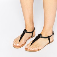Daisy Street Black Toe Post Flat Sandals