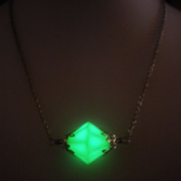 Lana Lang Kryptonite Necklace - Glow in the Dark - Glow Kryptonite - Glowing Kryptonite - Superman Jewelry - Smallville