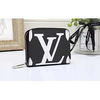 Louis vuitton's fashionable printed ladies' handbags are hot sellers of small zip-up wallets Black