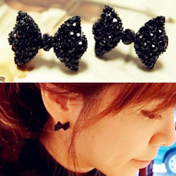 New hot Fashion Simple Vintage Metal Black Butterfly Bow stud earrings lady ear jewelry 2016 for women Free shipping