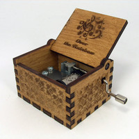 Engraved  wooden music box (Over the Rainbow - Judy Garland - The Wizard of Oz)