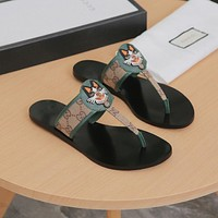 Gucci Cat and cat green sandals