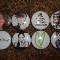 DEMI LOVATO - Set Of 8 Buttons Pins Badges LOVATIC