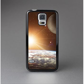 The Earth, Moon and Sun Space Scene Skin-Sert Case for the Samsung Galaxy S5
