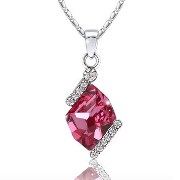 Diamond Cut Elegant Swarovski Elements Crystal Pendant Necklace (Rose Pink)