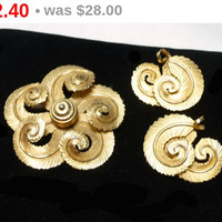 Vintage Feather Brooch & Earring Set - Swirling Feathers Demi Parure - Goldtone Pin and Clip on's - Designer Signed Giovanni