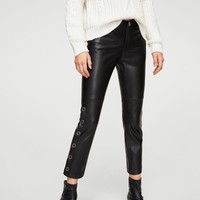 Side eyelets trousers