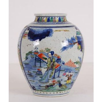 Multicolor Chinese Jar with Figures Painting