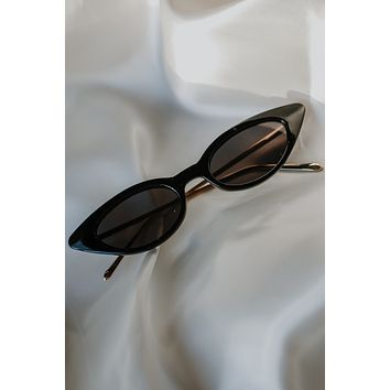 Eye To Eye Sunglasses - Black