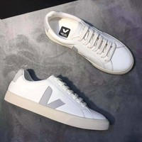 VEJA Classic Casual shoes