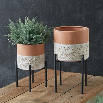Set of 2 Floral Embossed Plant Stands
