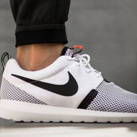 Nike roshe one breeze white