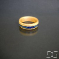 Oak Men's Bentwood Ring with natural crushed blue Lapis stone inlay