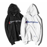Champion Embroidered Long-Sleeved Hooded Sweater