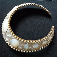 Superb HANSEN DESIGNS 1985 Jewels Brass Jeweled Opalescent Pearly Milk Glass Edging Beads Mediterranean & Egyptian Inspired Jewelry Necklace