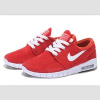 NIKE fashion skateboarding shoes running shoes Red and white