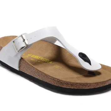 Men's and Women's BIRKENSTOCK sandals  Gizeh Birko-Flor Patent 632632288-022
