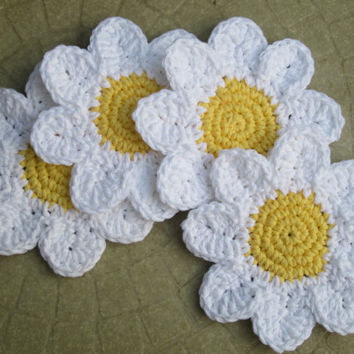 Crochet Coasters, Daisy Drink Coasters, Set of 4 Cotton Flower Coasters, Hostess Gift