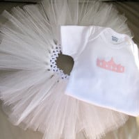 Baby white tutu, infant princess tutu gift set, baby shower gifts, fluffy tutu, girls pink applique Onesuit, first pictures, photo props,