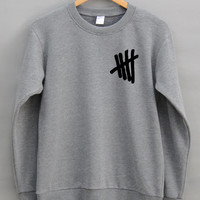 5SOS Front Screen Gray / Black / White Sweater / Jumper / 5SOS Shirt / Woman Clothing Size M / L / Graphic Long Sleeve Shirts