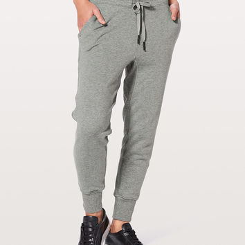 Press Pause Jogger *25"