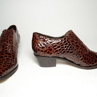 vintage leather Dingo womens brown croc embossed ankle  Boots - Size 9. back to school